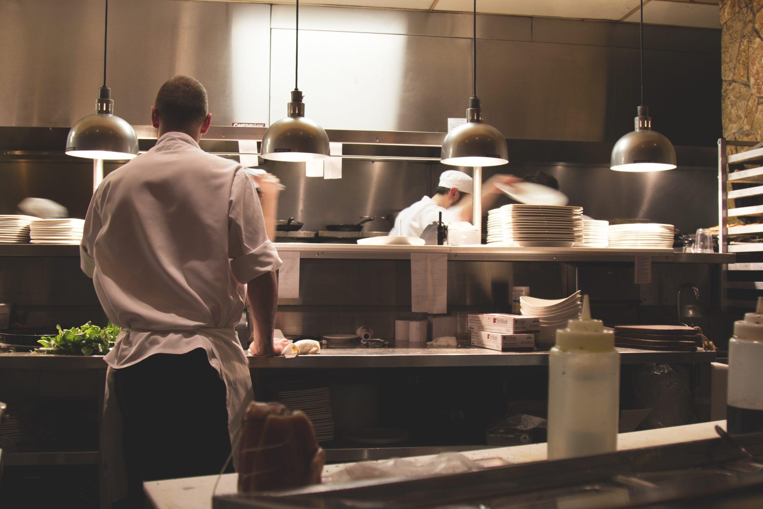 Rädda hotell- och restaurangbranschen